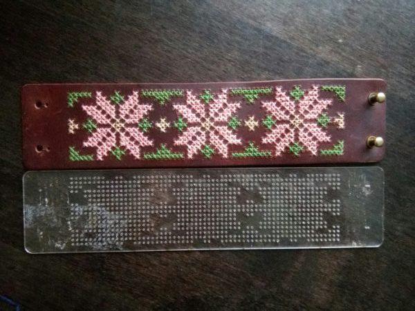 Шаблон для вышивки браслета из кожи