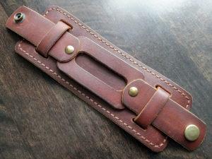 Широкий кожаный мужской браслет